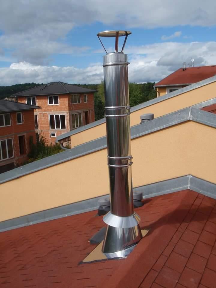 nerezový komín nad střechou